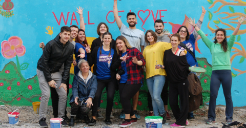 Kindness Revolution by ethelon: Όταν 300 εθελοντές αλλάζουν τη πόλη τους σε μία μέρα